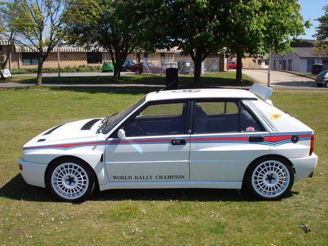 lancia delta hf integrale evolution  martini replica